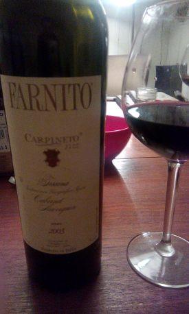 Farnito Carpineto con bicchiere
